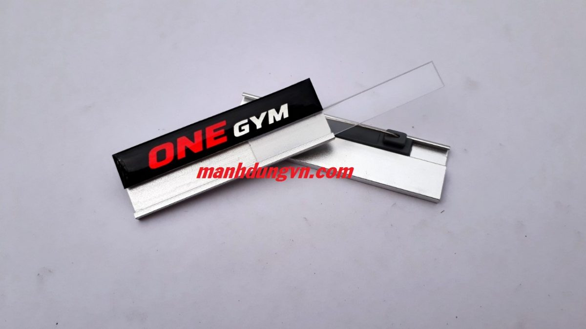bảng tên nhôm one gym